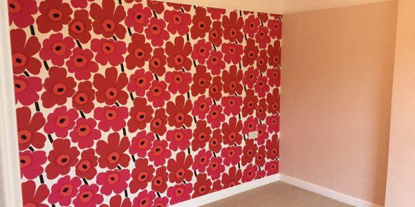 wallpaper on side wall